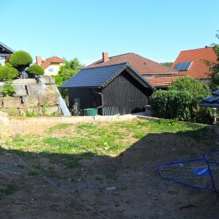 Hinterhof vor den gartenbaumaßnahmen